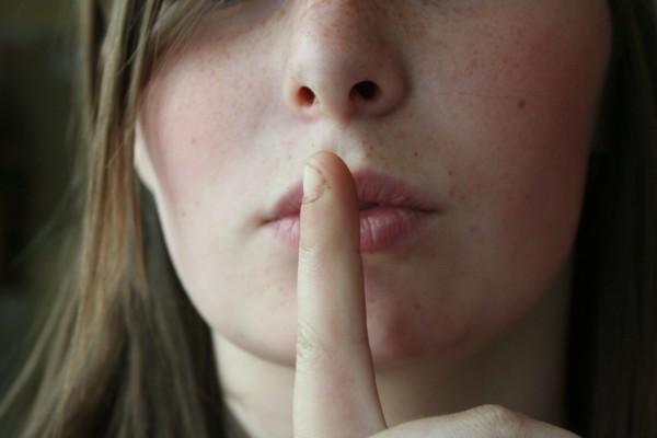 Il silenzio assordante della politica su incontinenza e stomia.